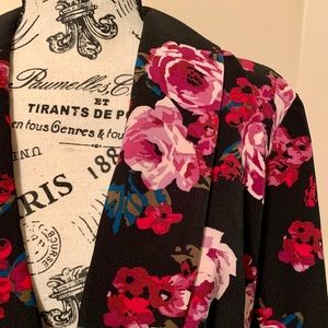 NWT Trendy Lane Bryant Floral Blazer